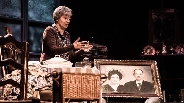Petra Martínez, en una escena de «Una mujer en la ventana»