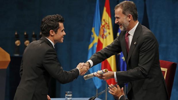 El Rey defiende «una España de brazos abiertos, alejada del desencanto»