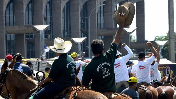 Concentración de los vaqueros en la Explanada de los Ministerios de Brasilia