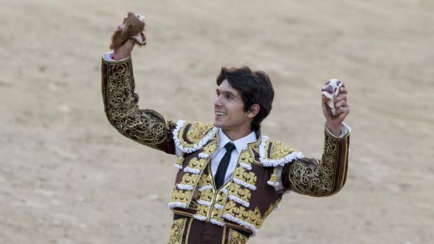 Sebastián Castella es el torero que más orejas ha cortado en la última década