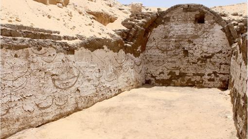 La construcción descubierta en Abidos con los grabados