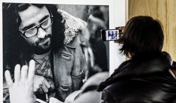 Una de las fotos de la exposición «Archivo Bolaño. 1977-2003» (Matadero-Madrid, 2015)