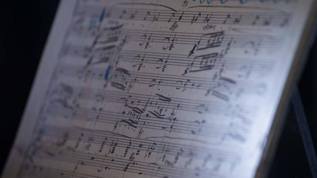 Una de las 232 páginas de la partitura de «Resurrección», de Gustav Mahler