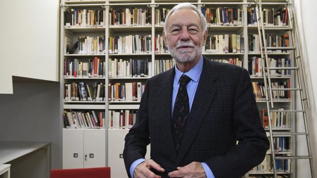 Eduardo Mendoza, en el Instituto Cervantes de Londres