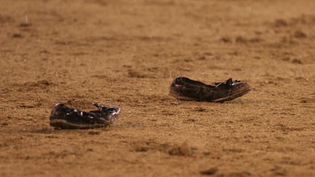 Manoletinas en la arena en tarde de lluvia