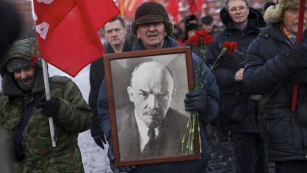 Nostálgicos del leninismo en una manifestación en Rusia