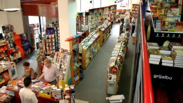 Imagen del interior de la librería Canaima