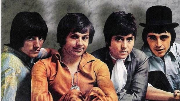 Los Íberos, con Enrique Lozano (segundo por la izquierda)