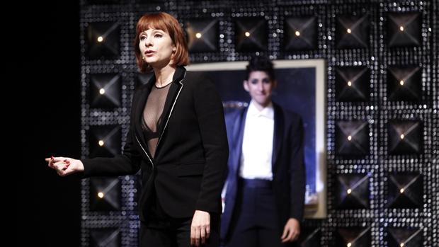 Najwa Nirri y Alba Flores, en un momento de «Drac Pack»