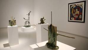 Cinco obras de Miró, expuestas en la galería Elvira González