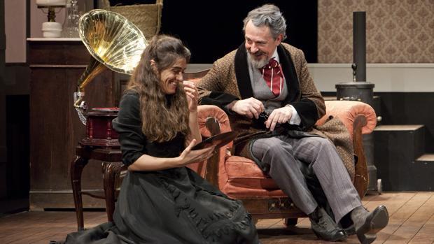 Olivia Molina y Pere Ponce, en un momento de la función