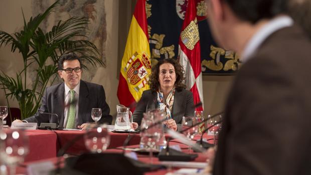 La consejera de Cultura y Turismo de la Junta de Castilla y León, María Josefa García Cirac, durante la Mesa de la Tauromaquia