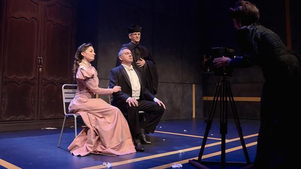 María Hervás, José Tomé y Juan Pastor Millet, en una escena de la función
