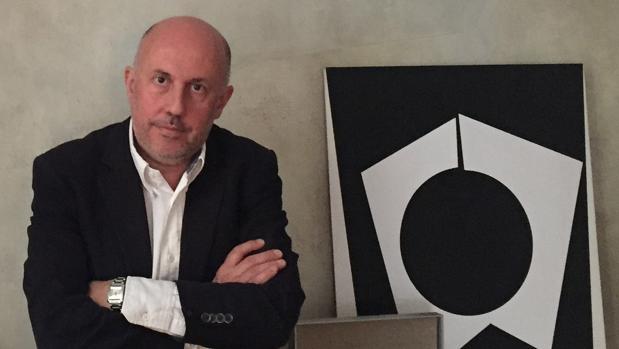 José de la Mano abrió su galería en Madrid hace una década pero sobrevive gracias al cliente latonoamericano