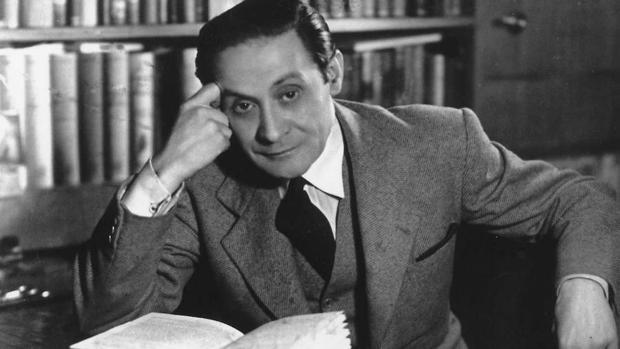 Enrique Jardiel Poncela, autor de «El amor es un microbio»