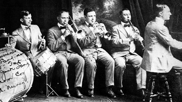Imagen de la Original Dixieland Jazz Band en plena actuación