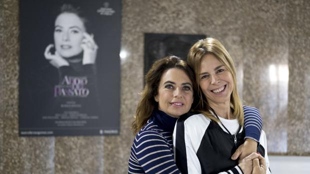 Lola Baldrich y Blanca Oteyza, en el teatro Fernán Gómez