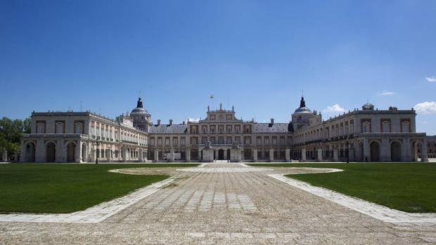 Palacio Real de Aranjuez desde la plaza Elíptica