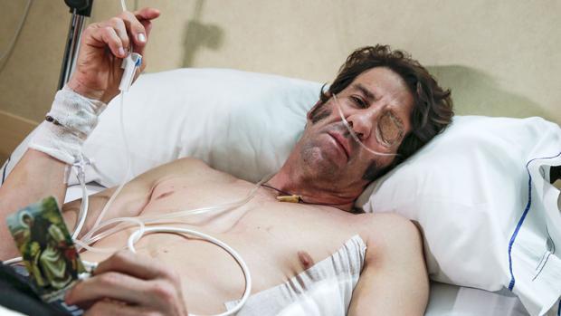 Juan José Padilla, en el hospital valenciano donde se recupera