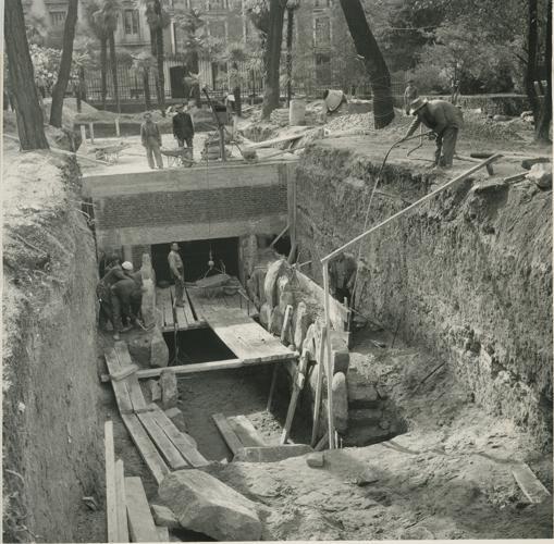 Excavación para construir la réplica de Altamira en el MAN
