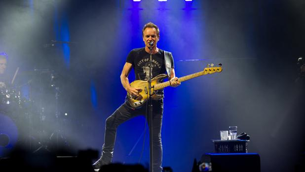 Sting, anoche durante su actuación en Barcelona