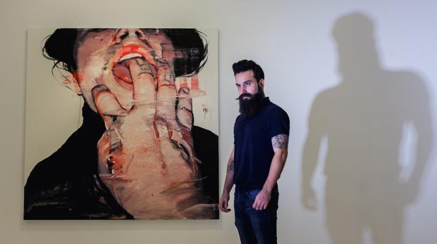 Anthony Stark (y su sombra de «superhéroe») en la galería Fernando Pradilla