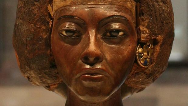 Una de las piezas que representan a la reina Tiye, en el Museo Egipcio de Berlín