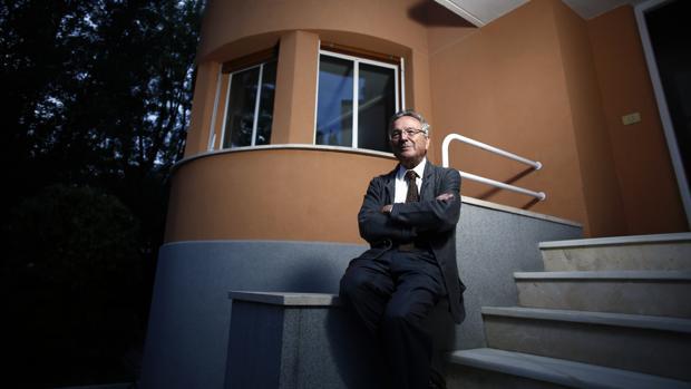 Rafael Moneo, en el exterior de su estudio en Madrid