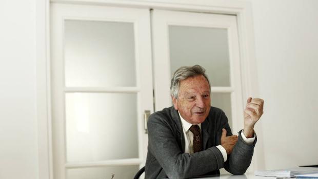 El arquitecto Rafael Moneo en su estudio