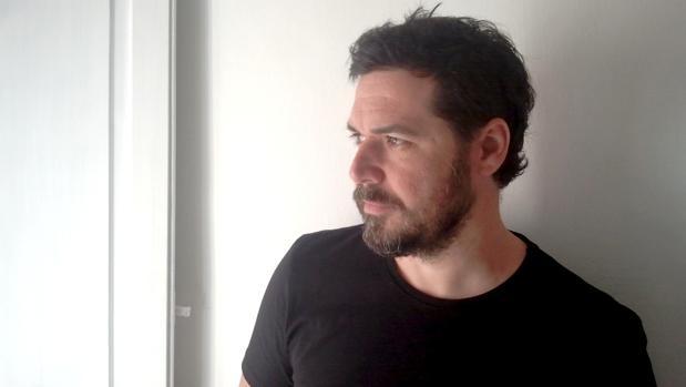 Autorretrato de Ramón Lez para «Darán que Hablar»