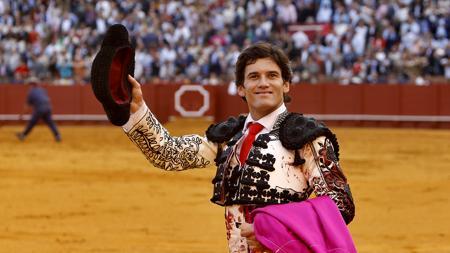 José Garrido da la vuelta al ruedo tras cortar una oreja al cuarto toro