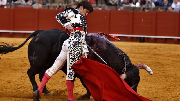 José Garrrido se gustó en los remates por bajo al cuarto toro
