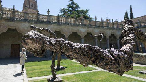 Otra de las esculturas monumentales de Barceló instaladas en Salamanca