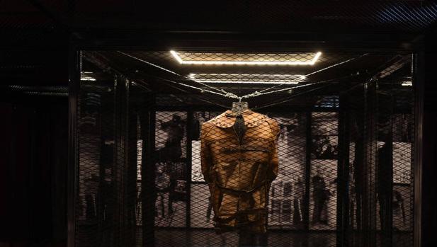 Montaje de «Houdini. Las leyes del asombro», en la Fundación Telefónica (Madrid)