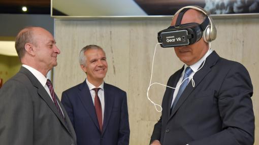 Fernando Benzo, secretario de Estado de Cultura, «visita» uno de los escenarios virtuales del Museo Arqueológico Nacional