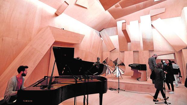 Imagen del pabellón de Francia con la propuesta de Xavier Veilhan, «Studio Venezia»