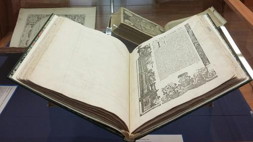 La edición de 1525 de la Geographia de Ptolomeo, expuesta en el IGN