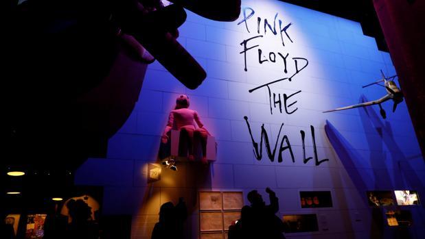 Izložba posvećena bendu Pink Flojd u londonskom Muzeju Viktorije i Alberta