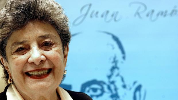 La escritora nicaragüense Claribel Alegría se ha hecho con el Premio Reina Sofía de Poesía Iberoamericana 2017