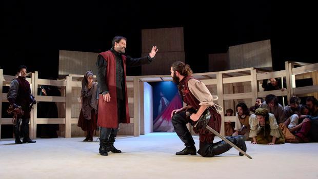 Una escena de la obra, con Jacobo Dicenta como el Comendador