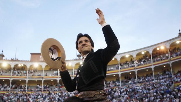 Diego Ventura se marcha en volandas del coso