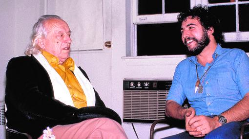 Alberti conversa con Juan Lebrón en Nueva York