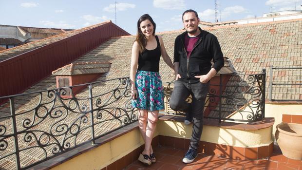 La actriz Jimena Ruiz Echazú y el cantautor Ismael Serrano