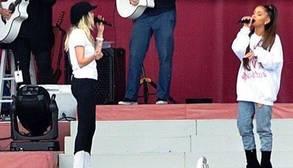 Ariana Grande y Miley Cyrus en el concierto «One Love Manchester»