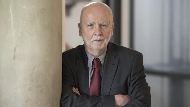 El poeta polaco Adam Zagajewski