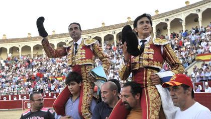 Ponce y Roca Rey, a hombros en la corrida de Asprona de Albacete