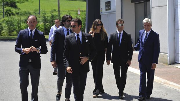 Pepín Liria, Javier Conde, Enrique Ponce, El Fandi con su pareja y Juan Antonio Ruiz «Espartaco»