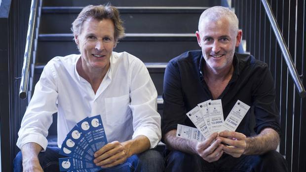 El editor Jean-Laurent Poitevin junto al escritor José Ángel Mañas