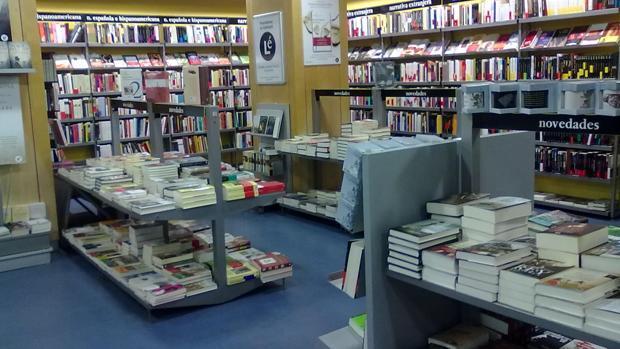 Fotografía del interior de la librería Lé, en Madrid