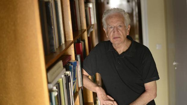 El director de escena José Carlos Plaza, en su domicilio de Madrid
